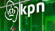 Das KPN-Logo an der Konzernzentrale in Rotterdam