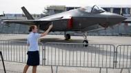 Reges Interesse haben die Europäer an Lockheed-Martin-Flugzeugen auf der diesjährigen Pariser Flugmesse.