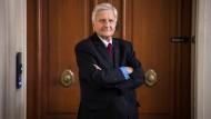 Trichet fordert höhere Löhne, damit die Inflation wieder anzieht.