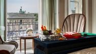 """Halal-Speisen und Gebetsteppiche gibt es auch im """"Hotel Adlon Kempinski"""" in Berlin."""