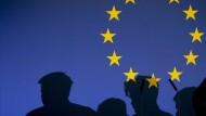 Ischinger wirft der EU Verantwortungslosigkeit vor: Sie habe keinen einzigen Versuch unternommen, im Syrien-Konflikt die beteiligten Staaten an einen Tisch zu bringen.
