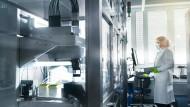 Der vom Mainzer Unternehmen Biontech entwickelte Corona-Impfstoffkandidat geht in den Zulassungsprozess.