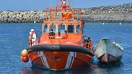 Von der Küstenwache gerettete Migranten am 23. September vor der kanarischen Insel El Hierro