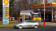 Eine Shell-Tankstelle bei Köln