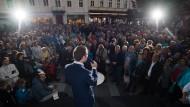 Sebastian Kurz spricht zu seinen Anhängern im niederösterreichischen Baden.