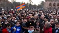Armenien vor Militärputsch: Die Streitkräfte gegen den Ministerpräsidenten
