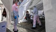 Raus aus der Pandemie: Bund schlägt zwei Gratis-Schnelltests pro Woche für alle vor