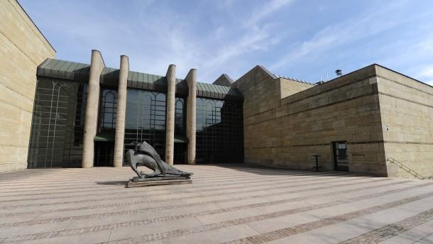 © dpa Orte der Raubkunst-Debatte: Die Münchner Pinakotheken, hier das Gebäude der Neuen Pinakothek.