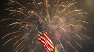 Feuerwerke wird es auch an diesem 4. Juli geben, doch die Feierlichkeiten stehen unter dem Schatten der Corona-Pandemie.