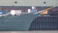 """Die """"Gorch Fock"""" Ende Oktober auf dem Geländer der Lürssen-Werft, die die Sanierung übernommen hat."""