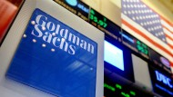 Goldman Sachs verdient ein Fünftel weniger.