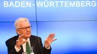 Durch Schnelltests: Kretschmann für schrittweise Öffnung in den nächsten Wochen
