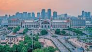 Der Hankou-Bahnhof ist einer der drei Hauptbahnhöfe   Wuhans. Vor einem Jahr war er, wie die gesamte Stadt,  76 Tage lang geschlossen.