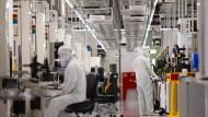 Europa will mehr: Die neuen Fabriken sollen noch größer und moderner sein als etwa die Halbleiterfertigung von Globalfoundries in Dresden.