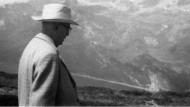Solche Wunder der Natur bestaunt man voll Ehrfurcht, aber man besteigt sie nicht: Adorno in den Schweizer Alpen.