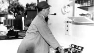 """Da war die Küche zwar schon auf dem Weg der Automatisierung, aber digital vernetzt natürlich noch nicht: Jacques Tati in """"Mon oncle"""" aus dem Jahr 1958."""