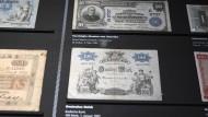 Als es noch Mark hieß und nicht Euro: Mehr als 100 Jahre alte Geldscheine im Geldmuseum