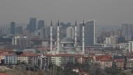 Glänzende Fassade: Blick auf die türkische Hauptstadt Ankara