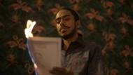 """Er baut sich einen Thron auf den Trümmern der Moral: Adarsh Gourav spielt den findigen Diener Balram Halwai in der Serienadaption von """"Der weiße Tiger""""."""