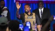 Konfuser Auftritt in Schutzweste: West am 19. Juli in North Charleston