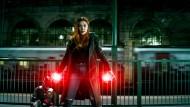 """Wenn sie wütend ist, entfaltet sie all ihre Kräfte: Scarlet Witch (Elisabeth Olsen) in """"Avengers: Infinity War"""""""