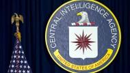 Wahr, ausgedacht oder irgendwas dazwischen? Bei Fabrizio Gatti tritt die CIA als Strippenzieher in der Alten Welt auf.
