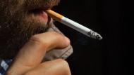 Raucher sind schlechte Geldanleger, sagt eine neue Studie.