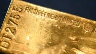 Fallende Kurse: Commerzbank blickt skeptischer auf Gold