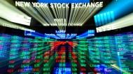 Rendite im Ausland: Blick auf einen Monitor an der New Yorker Börse