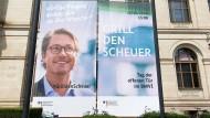 Verkehrsminister Scheuer könnte bald noch mehr gegrillt werden als ihm lieb sein dürfte.