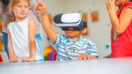 """Virtuelle Realitäten: Sie machen nicht nur Spaß, sie helfen auch beim Lernen - meint zumindest der """"Rising Star"""" VR Education aus Irland."""