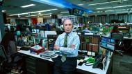 Michael Bloomberg, 77, an seinem Schreibtisch in der Zentrale seines Medien- und Finanzanalysekonzerns in New York.