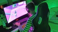 Computersucht heißt: Spielen bei Tag und Nacht, alles andere wird unwichtig.