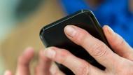 Digitaler Schutz: Die App soll helfen, das Virus einzudämmen (Symbolbild).