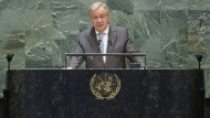 """""""Wir bewegen uns in eine sehr gefährliche Richtung."""" António Guterres spricht bei der Generaldebatte der Vereinten Nationen in New York."""