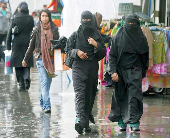 Zwangsehe, Menschenhandel: Muslimische Frauen im Londoner Stadtteil Whitechapel