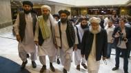 Vertreter der Taliban bei ihrer Ankunft in Moskau (Archivbild)