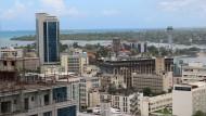 Mit dem Land geht es aufwärts, mit den Häusern ebenso: Skyline von Daressalam.
