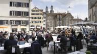 Wer will da nicht wehmütig werden: Zürich genießt die Freiheit.