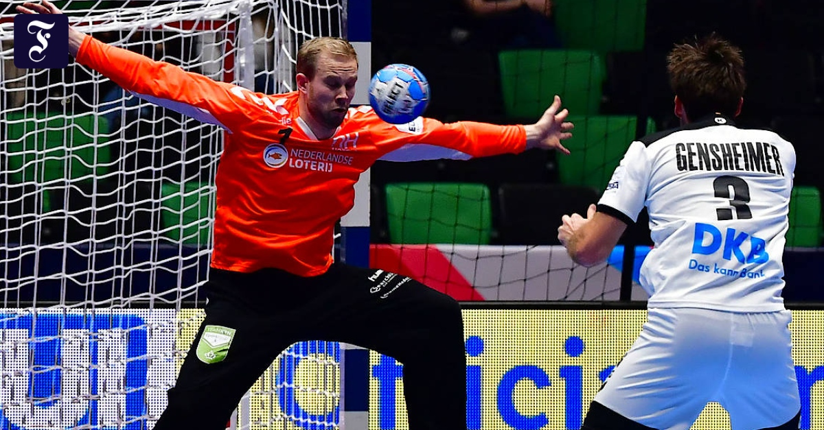 Uwe Gensheimer Sees Red Card At Handball Championship