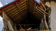 Schwer beschädigtes Haus in Kirchsahr im Katastrophengebiet