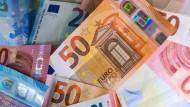 Viel Geld ausgeben ist ein derzeit von vielen Ökonomen gegebener Rat.