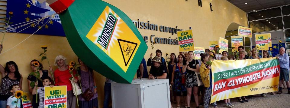 Proteste vor der EU-Kommission gegen die Glyphosat-Zulassungsverlängerung gab es bereits im Sommer.