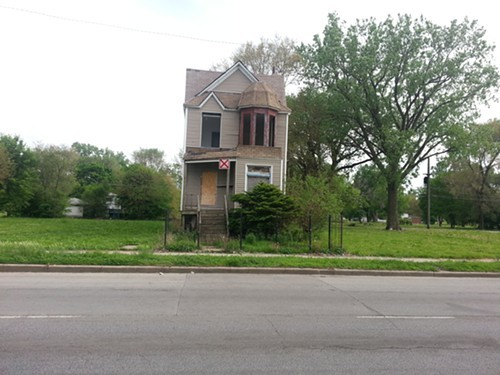 On the 400 block of west Garfield Boulevard, one building remains, barely.