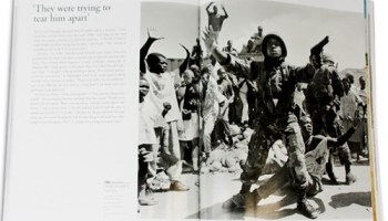Sample pages from The Pulitzer Prize Photographs: Capture the Moment