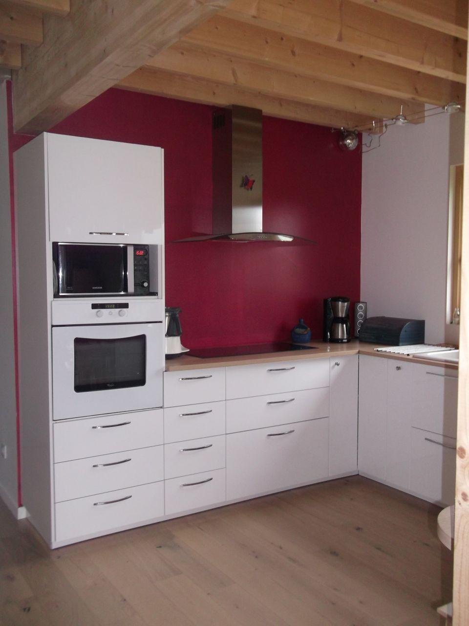 idees de remodelage petite cuisine moderne of meuble hotte ikea jjfar com