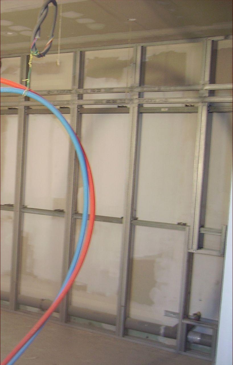 cloisons pour fixer meubles haut