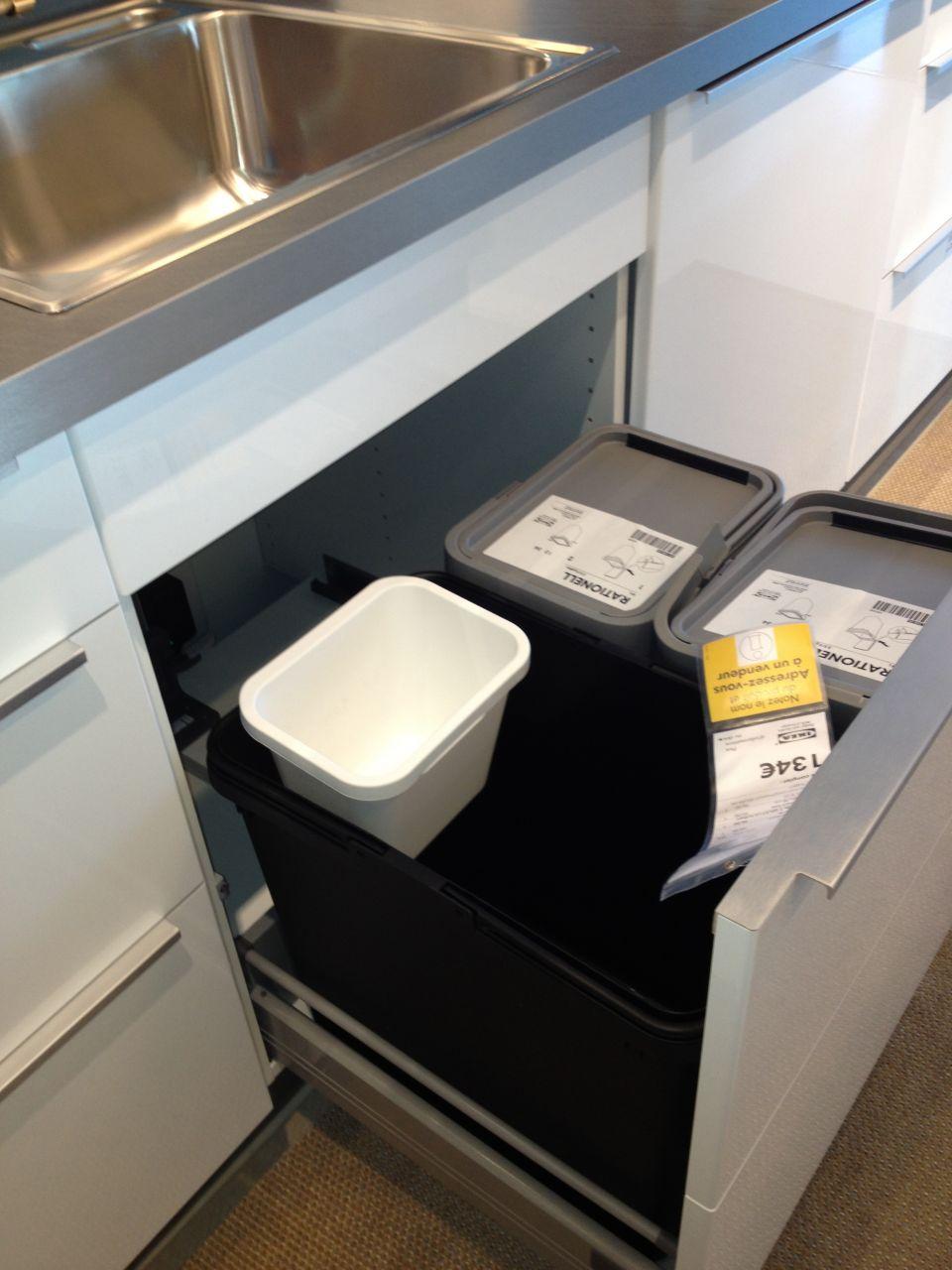 poubelles de tri dans cuisine ikea 15