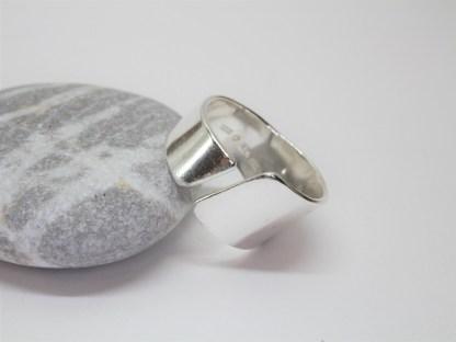 Handgjord ring i silver Freja