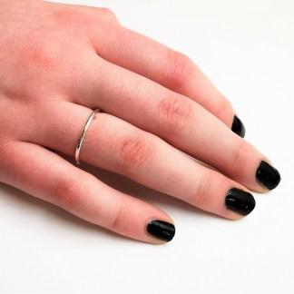 Minimalistisk ring i silver